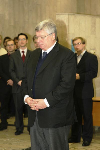 Инженер-реставратор иван георгиевич был проездом из москвы, обследовал и написал заключение по разрушающейся