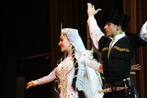 «Стирая границы»: концерт национальностей в МГИМО