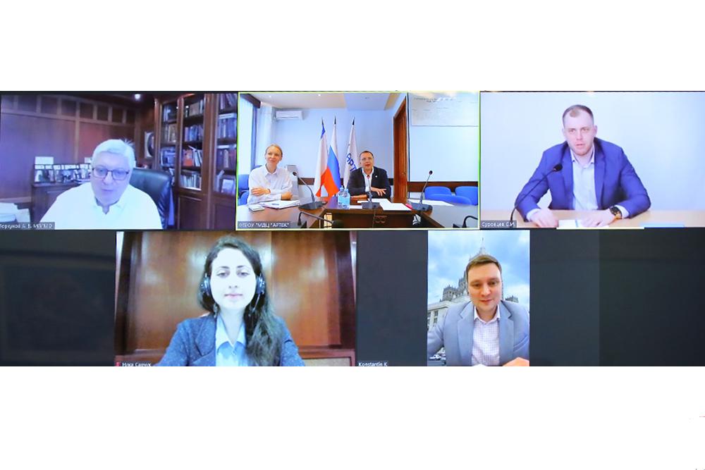МГИМО, Артек иСовет молодых дипломатов провели совместную пресс-конференцию
