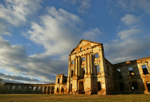 Руины дворцового комплекса великого белорусского законодателя Льва Сапеги